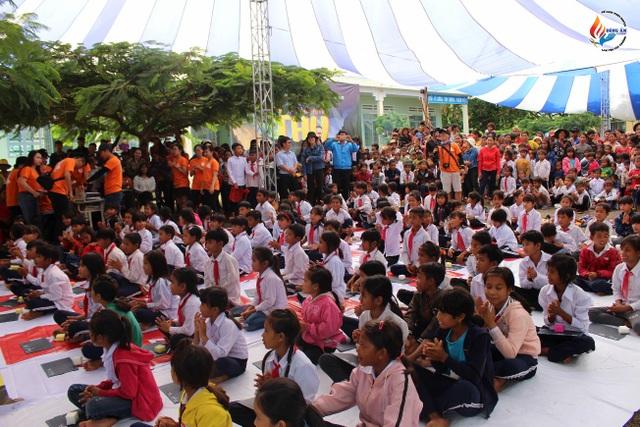 Chương trình Rung Chuông Vàng do Đông Ấm Group tổ chức