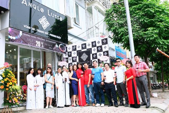 Đội ngũ lãnh đạo và nhân viên Anqlo Lusso.