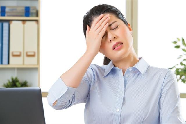 Nhớ nhớ quên quên, đau đầu, mất ngủ, hoa mắt chóng mặt là tình trạng rất dễ xảy ra ở độ tuổi trung niên.