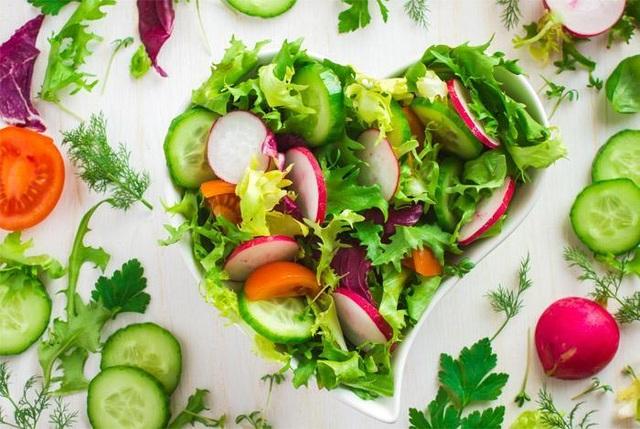 Lối sống khoa học, chế độ ăn uống lành mạnh giúp người bệnh hở van động mạch chủ 1/4 ngăn ngừa hở van nặng thêm và phòng các bệnh tim mạch khác.
