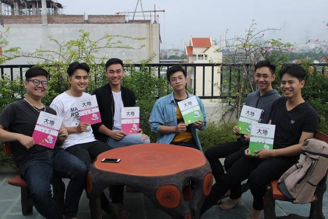 Nhóm bạn trẻ đang theo học bộ giáo trình Daichi Nihongo Shokyu- bộ sách thuộc bản quyền của MCBooks