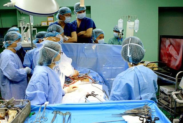 Thay van tim là phương pháp phẫu thuật thay thế van tim bị hỏng bằng van tim nhân tạo (Ánh minh họa)
