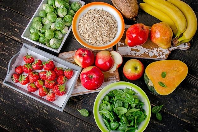 Chế độ dinh dưỡng cùng các vitamin và vi chất giữ vai trò quan trọng trong quá trình điều trị buồng trứng đa nang.