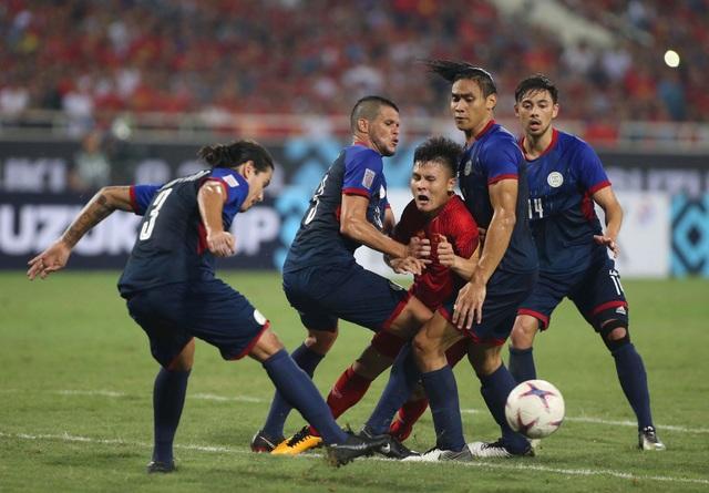 Màn tả xung hữu đột của Quang Hải, cầu thủ xuất sắc nhất trận bán kết lượt về trước Philippines.