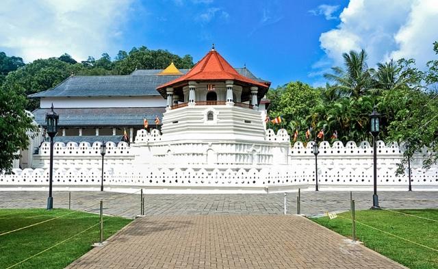 10 ngôi chùa nổi tiếng cho hành trình đầu năm mới - Ảnh 4.