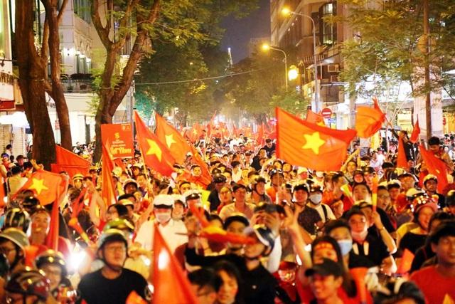 Chào đón 2019, cùng nhìn lại những dấu son đáng nhớ trong lòng người Việt Nam suốt năm qua - Ảnh 2.