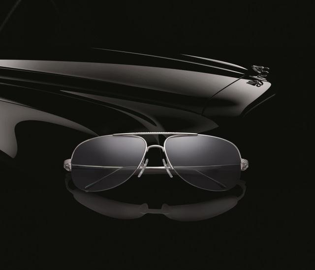 """Kính Bentley từ lâu đã được coi là """" thượng hạng"""" của kính cao cấp với giá khởi điểm từ 10.000 USD/gọng vàng nguyên khối."""