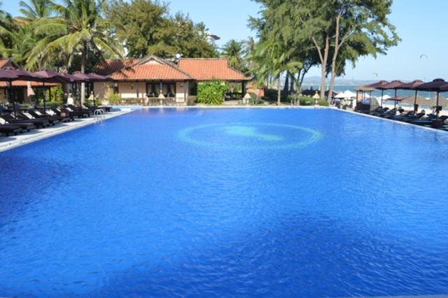 Khung cảnh thiên nhiên của bể bơi vô cực đầy thoáng đãng và hấp dẫn. (Ảnh: Internet)