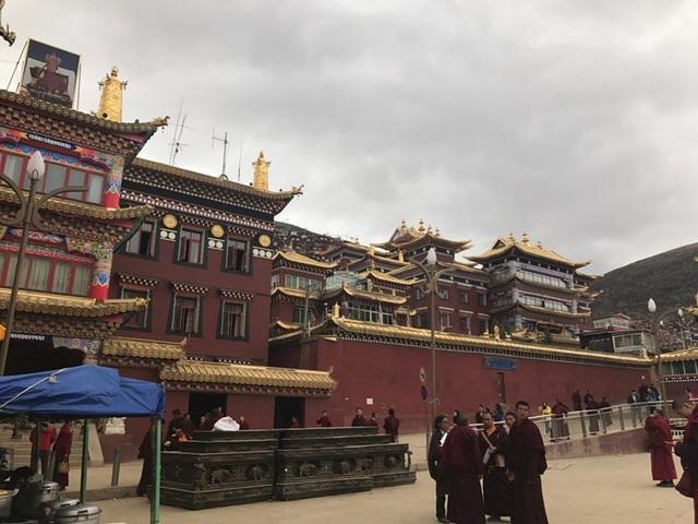Sắc Đạt là nơi có Học viện Phật giáo lớn nhất Thế giới.
