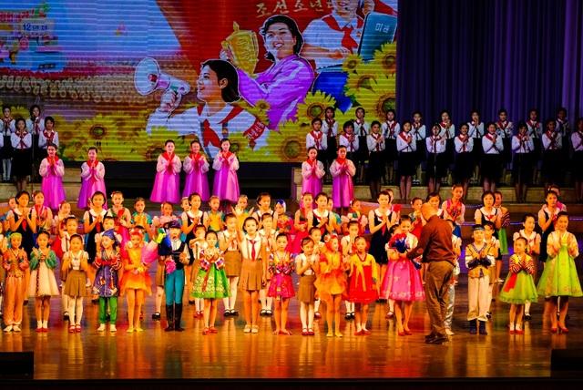 Người Triều Tiên rất thích các hoạt động văn hóa, văn nghệ.