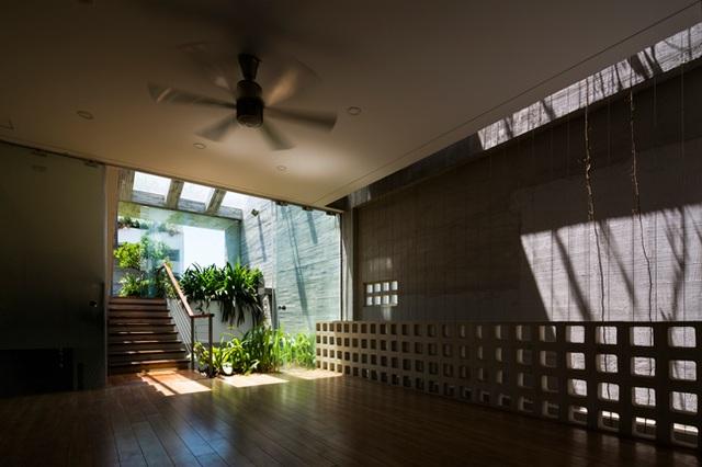 Ngôi biệt thự có được sự liên kết chặt chẽ giữa thiên nhiên, không gian sống trong lành và tiện nghi hiện đại.