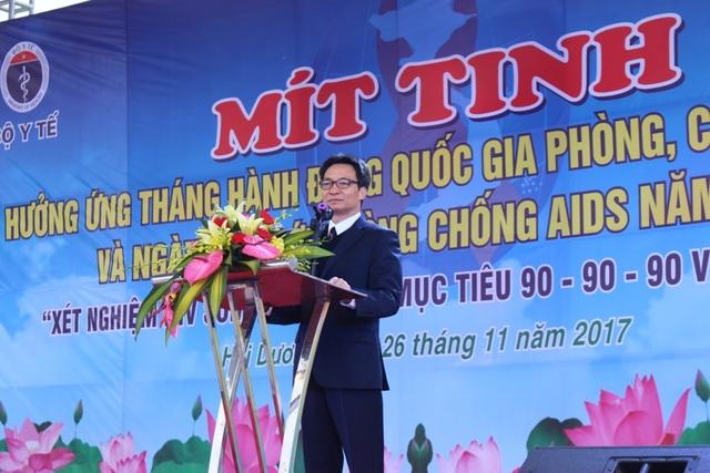 Phó Thủ tướng Vũ Đức Đam phát biểu tại lễ mít tinh sáng ngày 26/11.