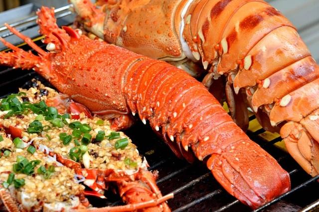 Tôm hùm Bình Ba được nhận xét là nhiều thịt, mềm và có vị ngọt rất đặc trưng.