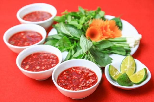 Tiết canh là món ăn của riêng người Việt.