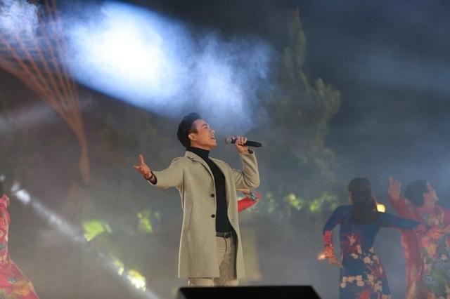 Mỗi ca khúc được thể hiện cũng là tình cảm anh dành cho Đà Lạt.