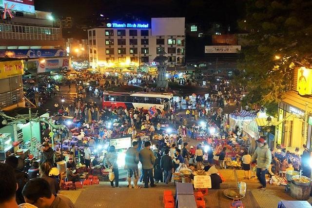 Chợ Đêm Đà Lạt là một trong những địa danh không thể bỏ qua. (Ảnh: dalatpro)