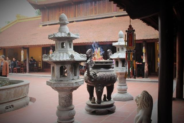 Cận cảnh ngôi chùa đẹp bậc nhất thế giới ở Hà Nội - 9
