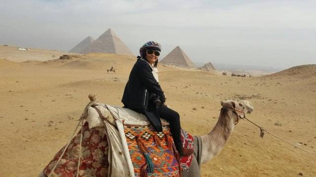 Đường đến Kim tự tháp Giza