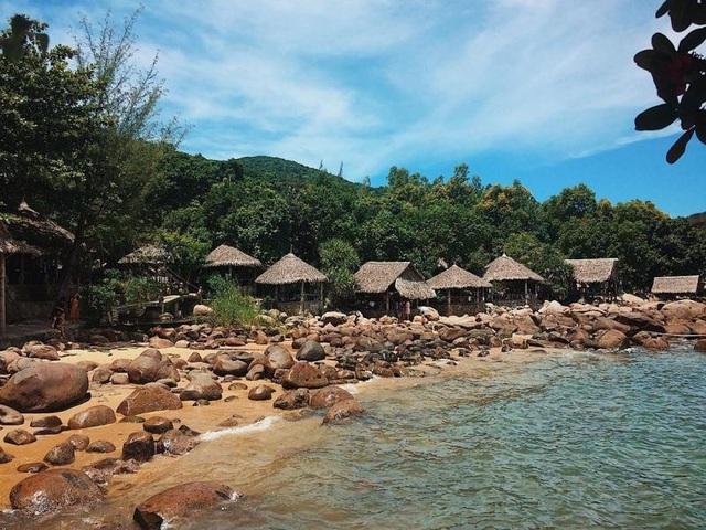 Nơi nào ở bán đảo Sơn Trà cũng đều nên thơ, yên bình. (Ảnh: doanh)