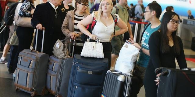 Những đồ vật không nên để ở hành lý kí gửi - 2
