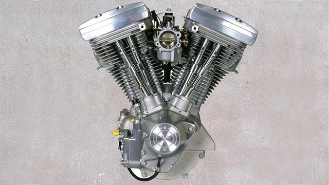 Năm 1984, động cơ Evolution dung tích 1.340cc được trang bị cho tất cả các mẫu Softail. Đây là dòng động cơ được nghiên cứu trong 7 năm, với sức mạnh cùng khả năng làm mát được tăng cải thiện đáng kể. Động cơ này được sản xuất đến năm 1985.