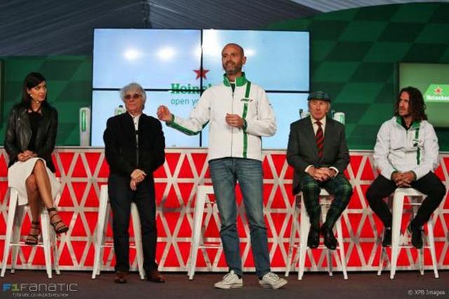 Ông trùm F1 Bernie Ecclestone trong buổi gặp mặt đối tác cho giai đoạn tới đây cho giải đua Formula1