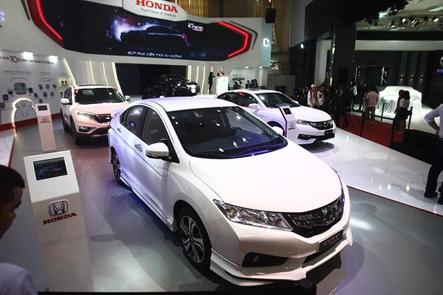Khai mạc Vietnam Motor Show 2016: Cuộc chơi của xe bình dân - 1