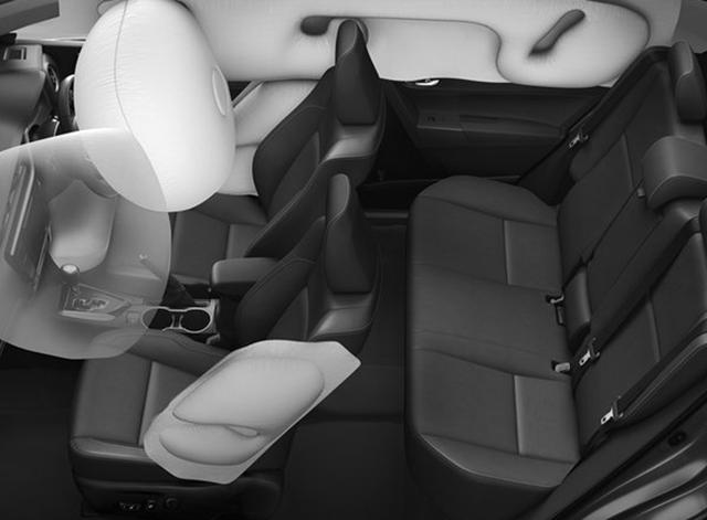 Toyota ra mắt phiên bản nâng cấp mới cho Altis - 11
