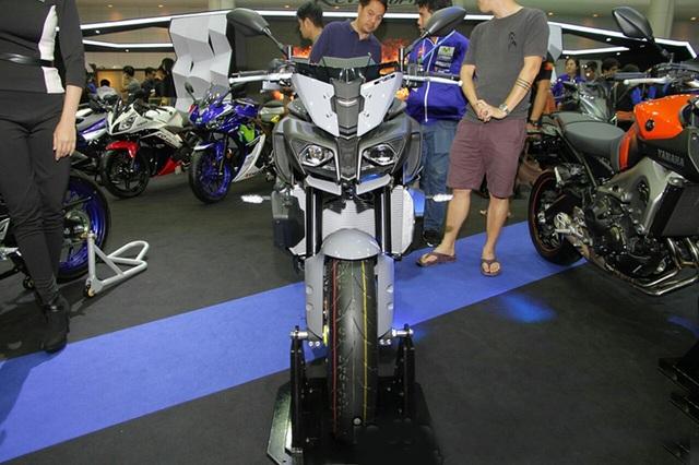 """Yamaha ra mắt liền hai mẫu xe mới trong """"gia đình MT"""" - 10"""