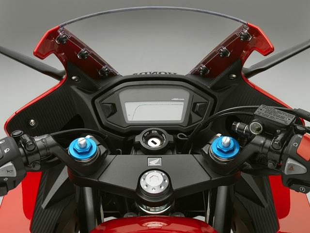 """Honda nâng cấp """"em út"""" dòng BigBike - 8"""