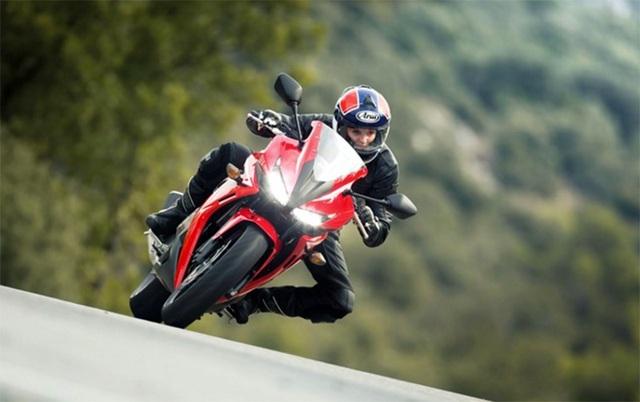 """Honda nâng cấp """"em út"""" dòng BigBike - 2"""
