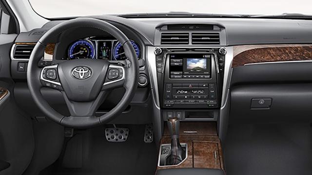 Màn hình DVD mới trên Toyota Camry 2.5Q