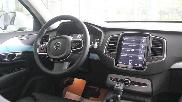 Toyota giảm giá Camry, Mitsubishi đưa Pajero Sport mới về Việt Nam - 7