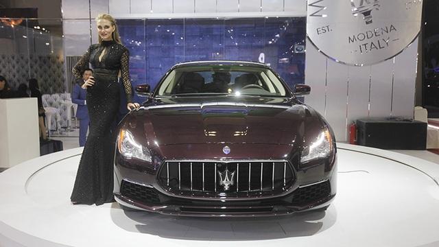 Mẫu Maserati Quattroporte 2017 xuất hiện tại triển lãm Vietnam International Motor Show 2016 cũng sử dụng lốp Piralli P Zero
