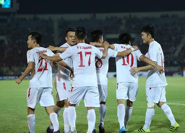 Đội tuyển Việt Nam khởi đầu AFF Cup thuận lợi khi đánh bại Myanmar 2-1