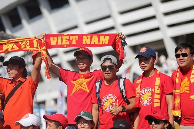 Việt Nam 1-0 Malaysia: Trọng Hoàng tỏa sáng - 10