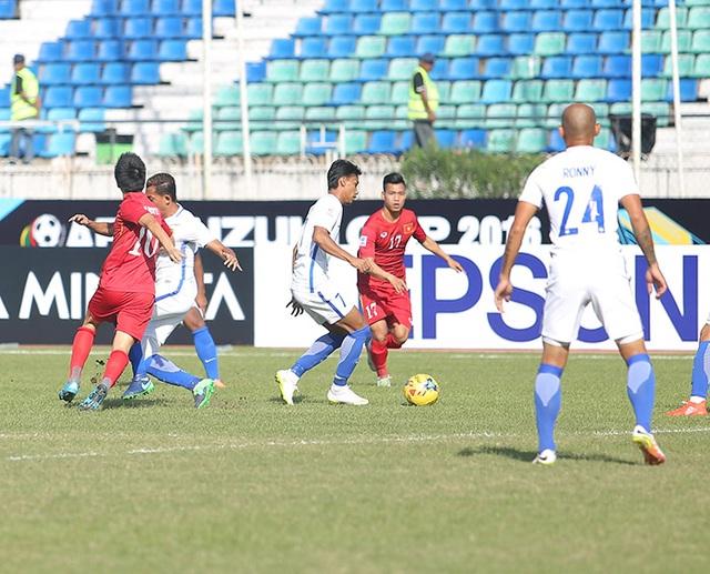 Đội tuyển Việt Nam đang nỗ lực kiểm soát thế trận