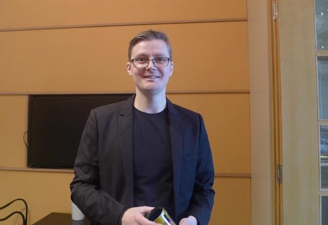 Gustav Källstrand, hướng dẫn viên chính của bảo tàng Nobel, nhấn mạnh rằng bảo tàng không chỉ là nơi trưng bày thông tin và các hiện vật liên quan tới giải thưởng Nobel mà còn là nơi truyền lửa đam mê và khơi nguồn sáng tạo đối với du khách, dù ở bất kỳ độ tuổi nào.