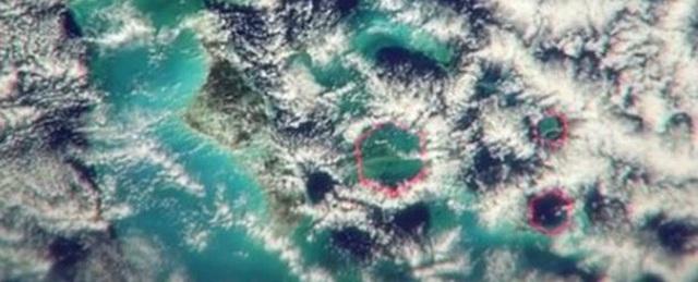 Các đám mây hình lục giác khá hiếm (Ảnh: Science Alert)