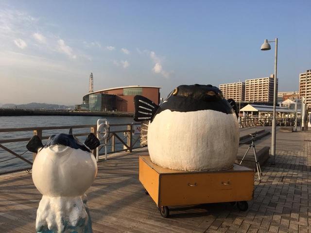 Món cá nóc là đặc sản của Yamaguchi nên hình ảnh loài cá này xuất hiện nhiều nơi trên khắp tỉnh (Ảnh: An Bình)