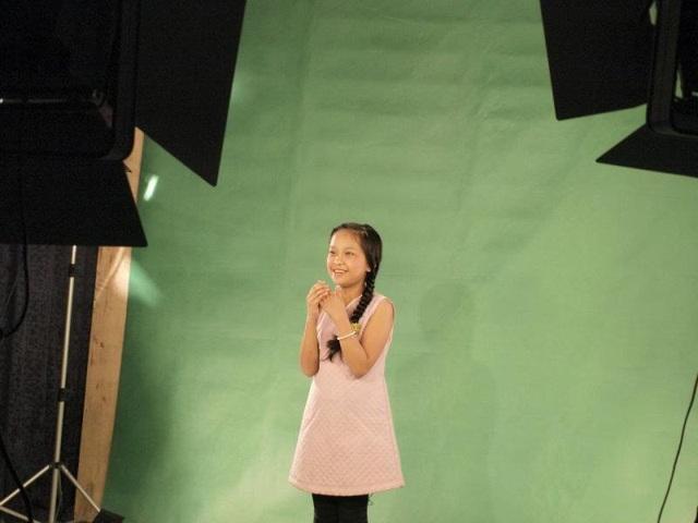 Anh Thơ casting tại buổi chọn MC cho chương trình Bạn trẻ bốn phương trên kênh VTV6.
