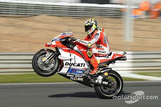 Jorge Lorenzo chiến thắng trong ngày chia tay Yamaha - 13