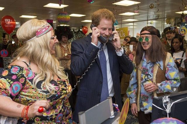 Hoàng tử Anh Harry tham dự một sự kiện từ thiện ở London, Anh. (Ảnh: AFP)