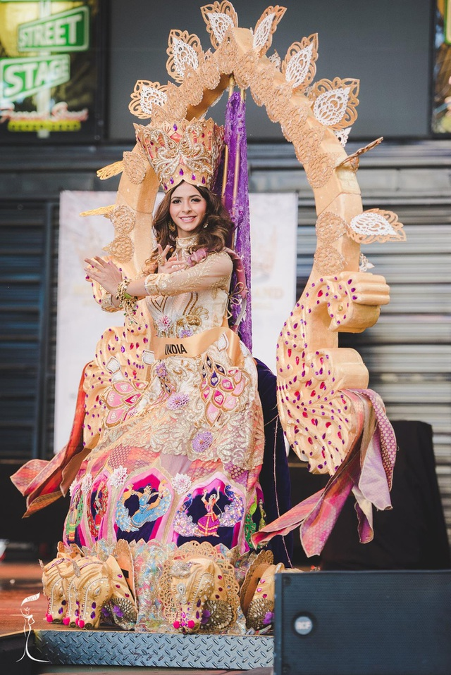 Nguyễn Thị Loan lọt top 10 thí sinh mặc trang phục dân tộc đẹp nhất - 2