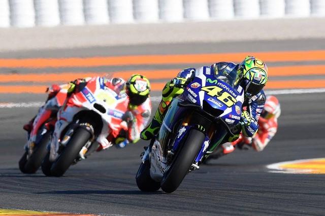 Jorge Lorenzo chiến thắng trong ngày chia tay Yamaha - 11