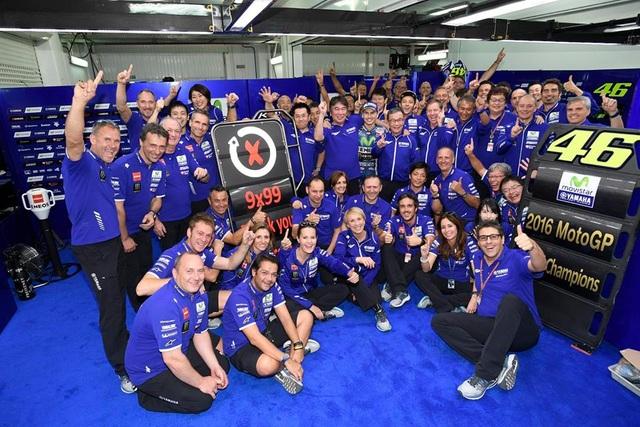 Jorge Lorenzo chiến thắng trong ngày chia tay Yamaha - 6
