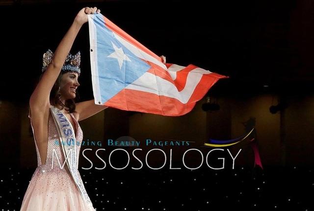 Tân hoa hậu Stephanie del Valle Díaz tự hào ôm cờ tổ quốc và sải bước đầy kiêu hãnh trên sân khấu trong đêm chung kết.