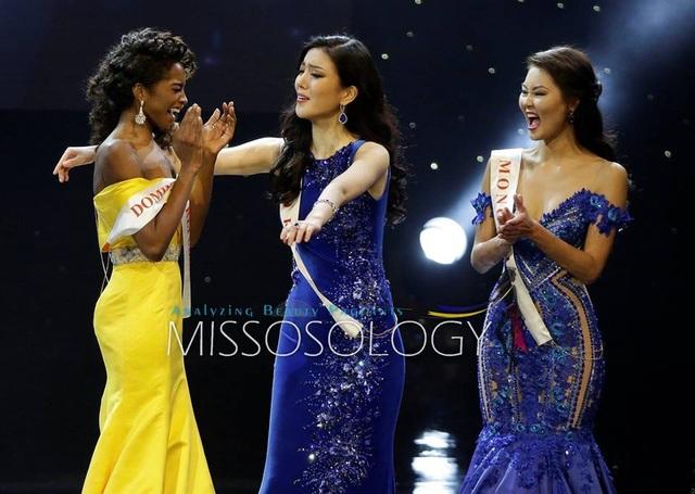 Hoa hậu Cộng hòa Dominica hạnh phúc khi biết mình lọt Top 3 cuộc thi năm nay.