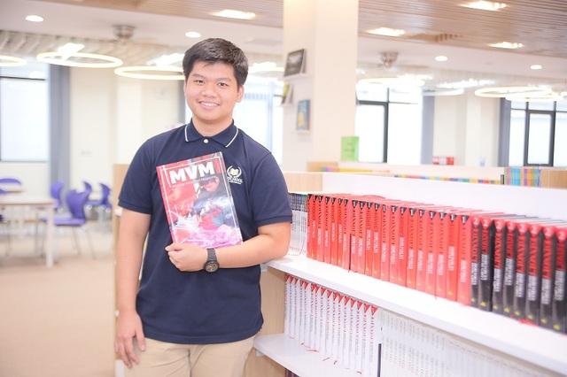 Quãng thời gian Vũ tham gia viết báo cho ấn phẩm MVM - Tạp chí song ngữ của học sinh Vinschool đã giúp Vũ nâng cao kỹ năng viết luận bằng tiếng Anh.