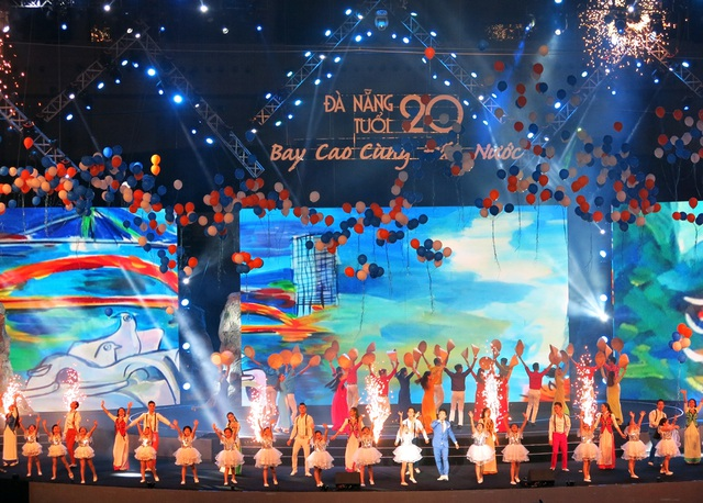 Các nghệ sĩ cùng ngợi ca thành phố trẻ, năng động bên dòng sông Hàn